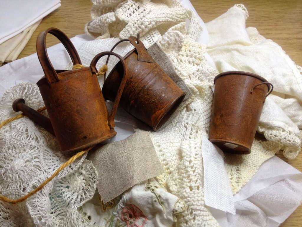 rust - dyeing fabrics with rusty objects