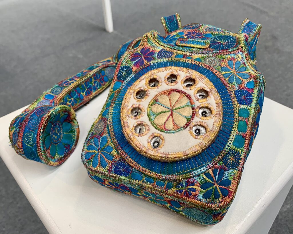 machine embroidered 3D telephone